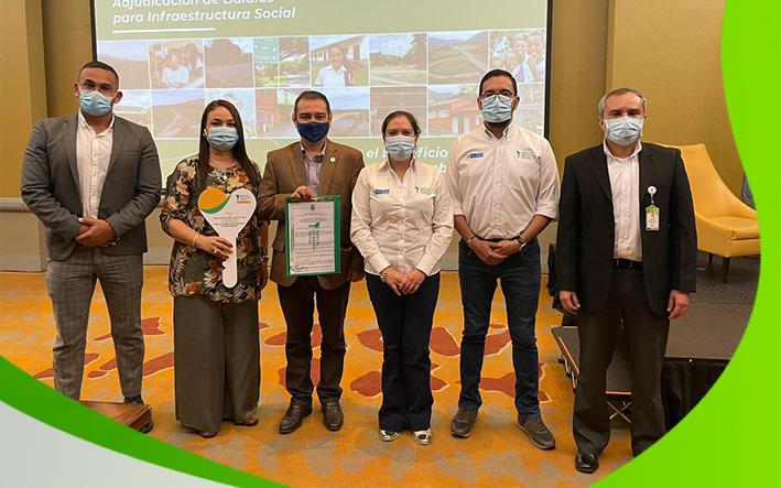 UCEVA Recibió Título de Propiedad de la Granja Agrostológica